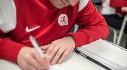 Validez de los títulos académicos de Técnico Deportivo en Fútbol