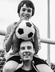busca el equilibrio adecuado entre elogiar y penalizar a tu hijo
