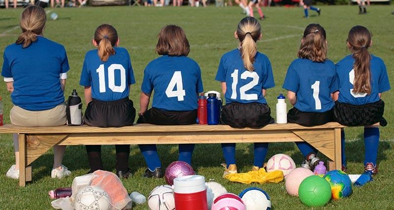 Jugadores de fútbol base, ¿cuánto deben jugar?