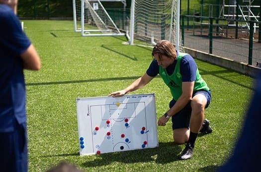 entrenador de fútbol formación