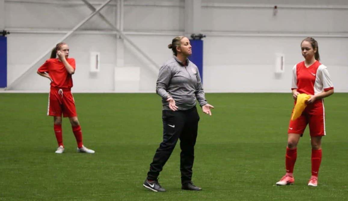 formación en entrenadoras de fútbol